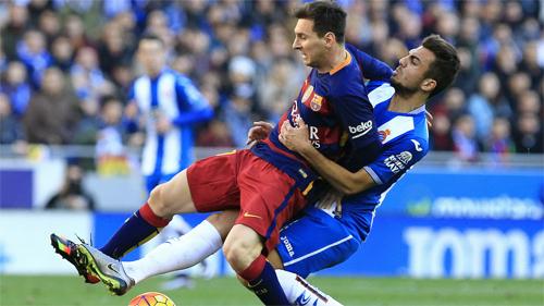 Messi không có đủ phong độ cao và may mắn trong chuyến làm khách tại sân Cornella. Ảnh: Reuters