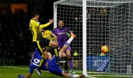 Costa là hiện thân cho sự bất lực của hàng công Chelsea trước Watford. Ảnh: Reuters.