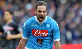 Higuain-co-the-cap-ben-M.U-he-toi