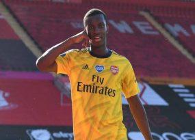 Sao trẻ Arsenal được so sánh với Sergio Aguero