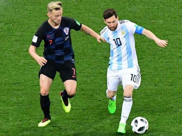 Kỹ thuật giữ bóng tốt trong bóng đá cho người chơi